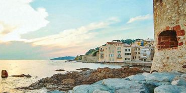 Top 10 Honeymoon Hotels & Resorts in Saint-Tropez $287