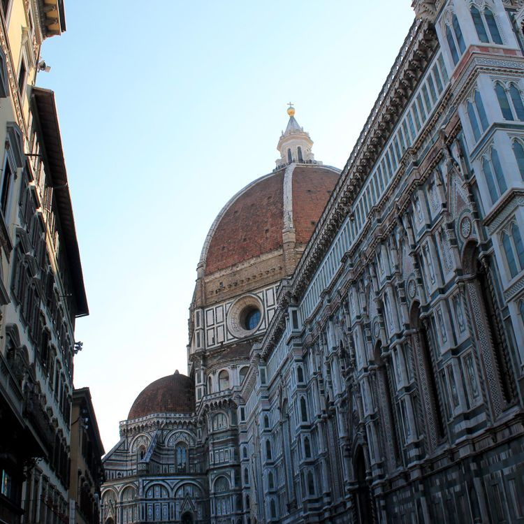 The dome of the Duomo in Florence, part of a Kendra Scott inspired trip by Luna Moons.